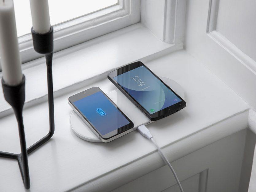 Når jeg lader Galaxy Note8 med en rask trådløs lader, vises