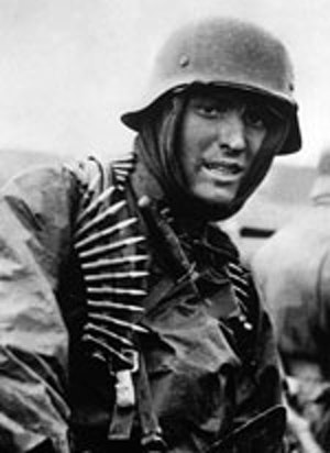 4693c8a7 548a 4c33 a535 b1b108f3b397.tysk soldat i ardennerna 1944