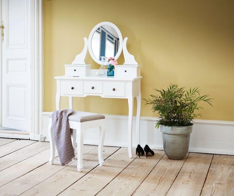 Ultra Sminkebord: Shop makeupborde til soveværelset   Costume.dk DM-59