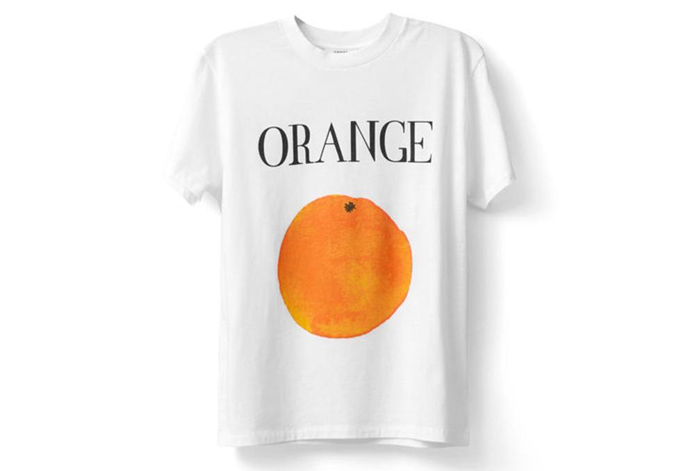 Dette er T skjorten fra Ganni som alle vil ha   Costume.no