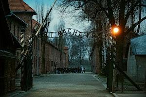 Auschwitz arbeit macht frei mjf7kkio2qwpafbqgooweg