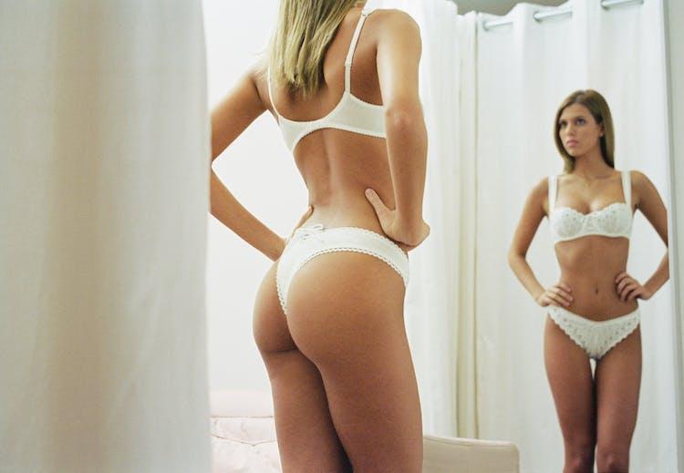 1bf95f54 Vælg det rette lingeri til din kropsfacon | Woman.dk
