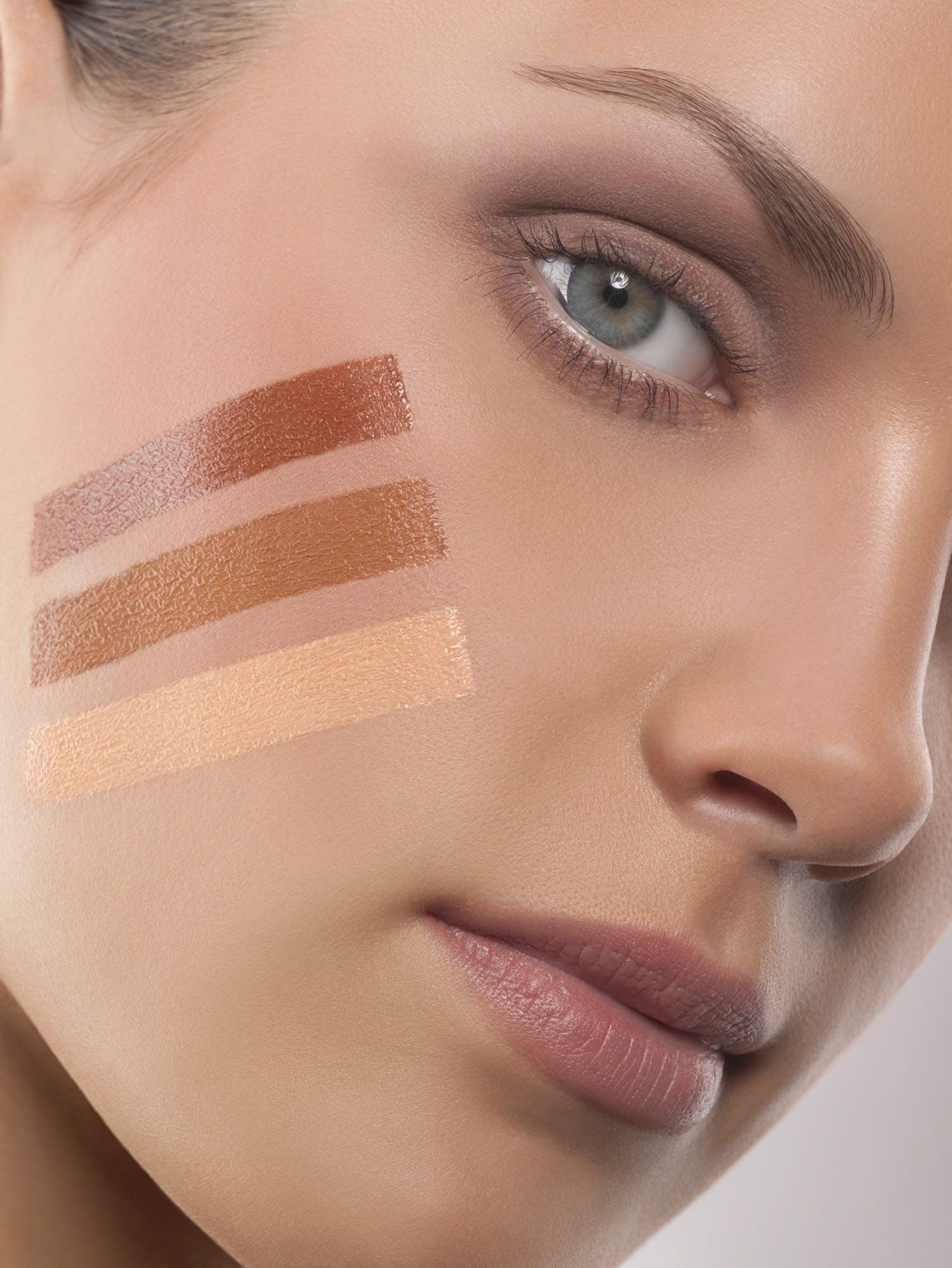 Få smuk hud med foundation   Woman.dk