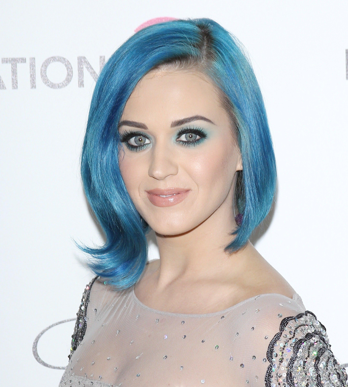 blå hårfarve
