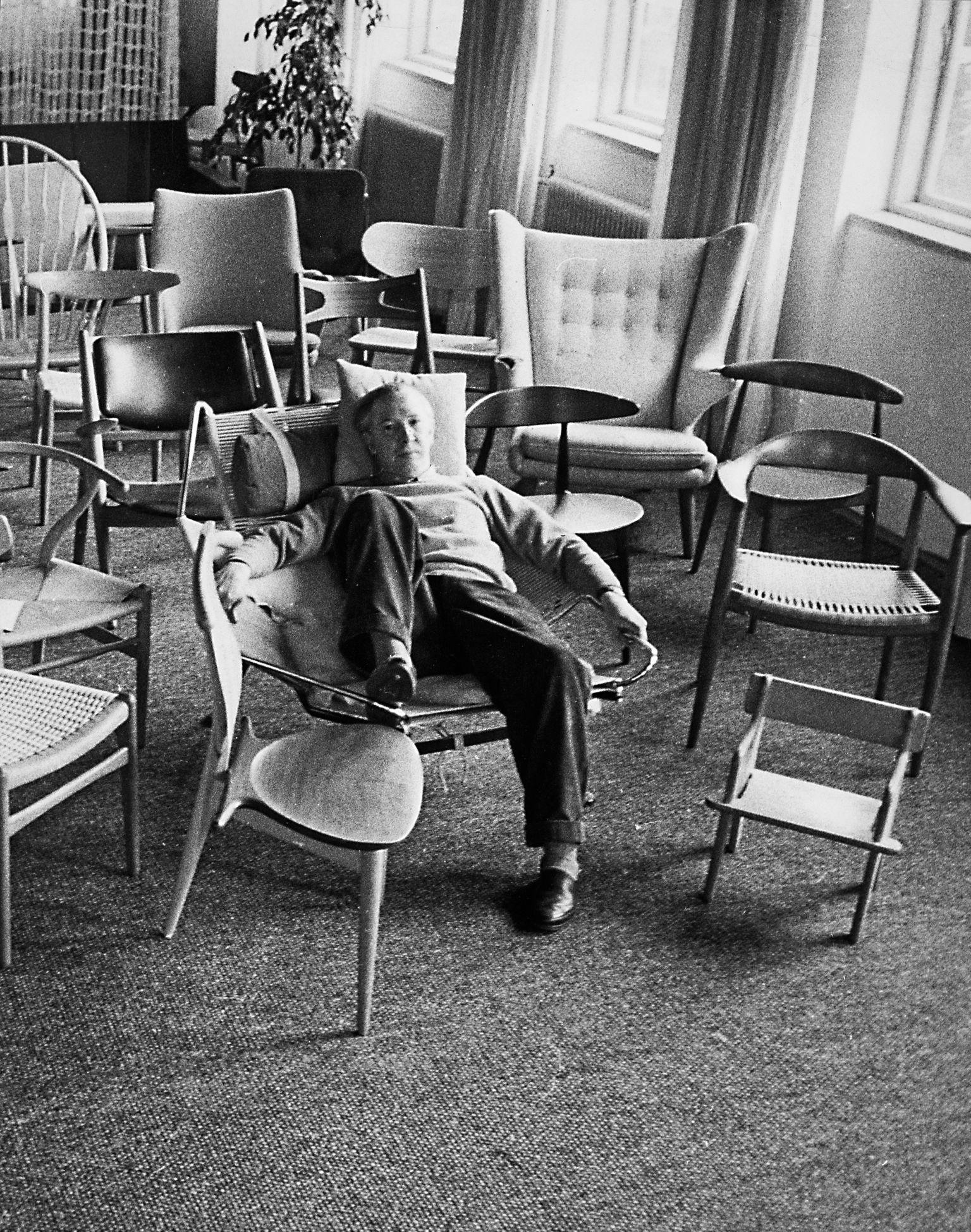 wegner bare een god stol. Black Bedroom Furniture Sets. Home Design Ideas