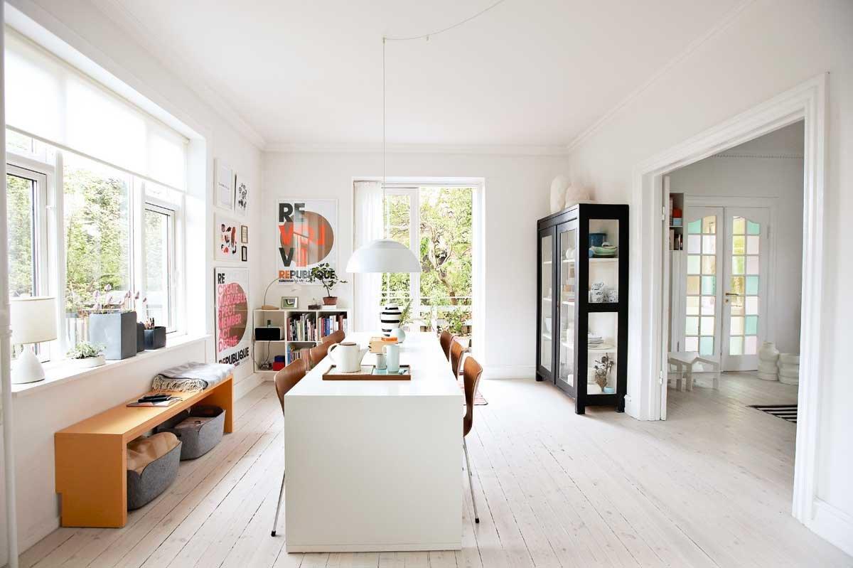 stilleben i en ellers livlig villa. Black Bedroom Furniture Sets. Home Design Ideas