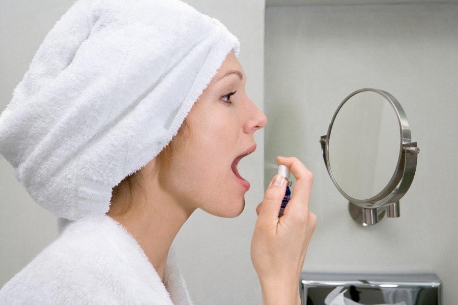 smak av metall i munnen