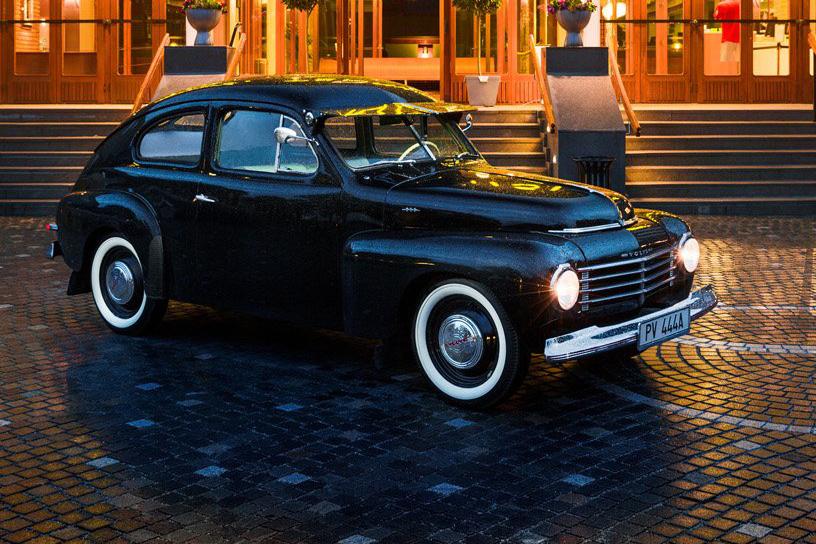 Volvo pv444 den lille volvo fylder 70 r for Garage jaguar lille