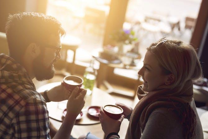 et andet ord til dating nogen dating en afspejling af dig selv