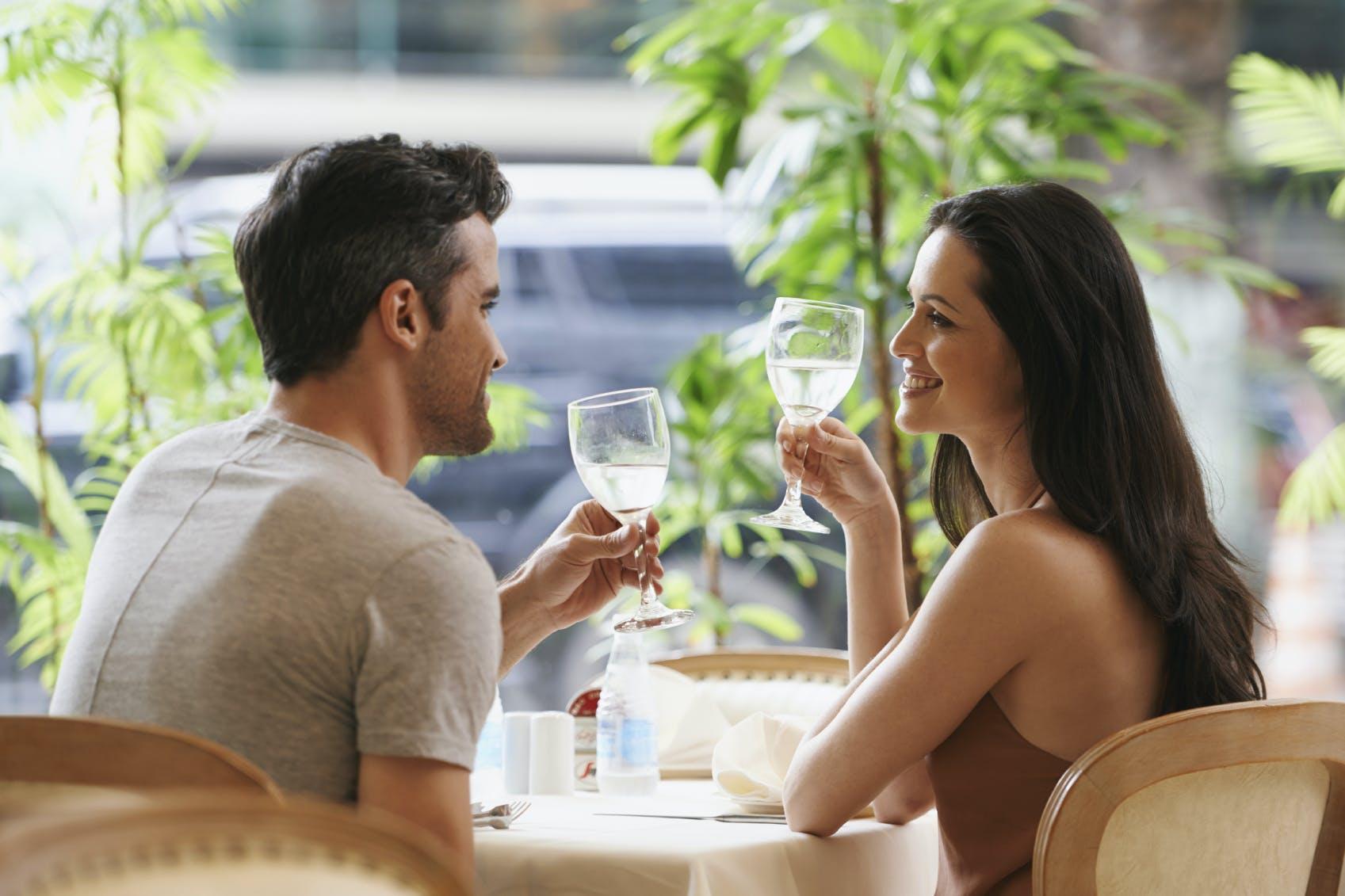 woman dating hva gjøre på date