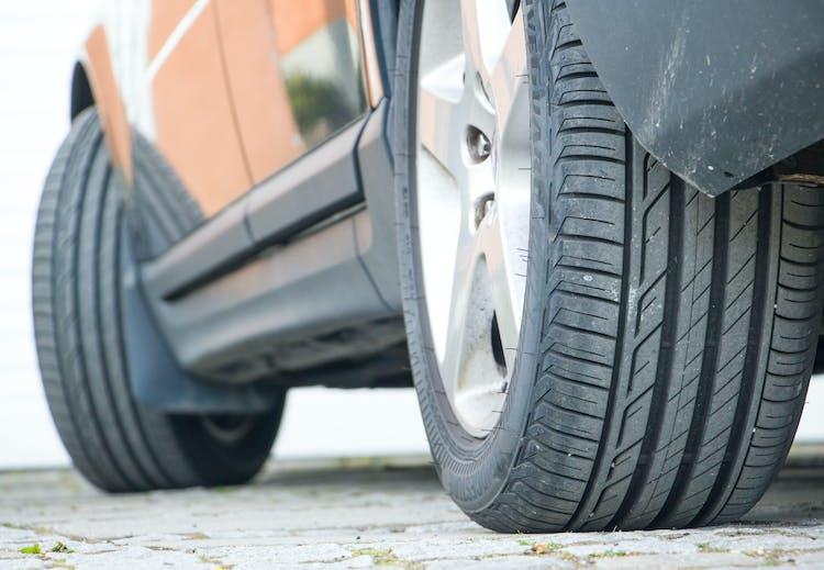 Topnotch Første test af Bridgestone run flat dæk til eftermontering ET65