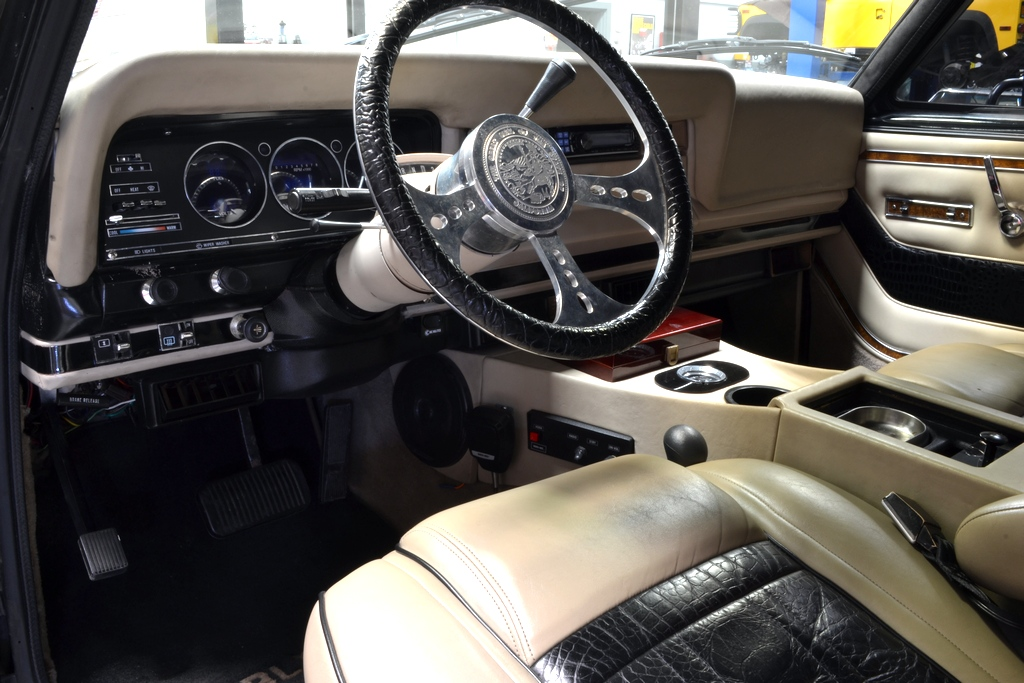 gallerier saelges schwarzeneggers x governator jeep