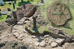 Edsleskogs kyrkoruin utgravning mynt iix8i6sjh0uqkcb2dzinbq