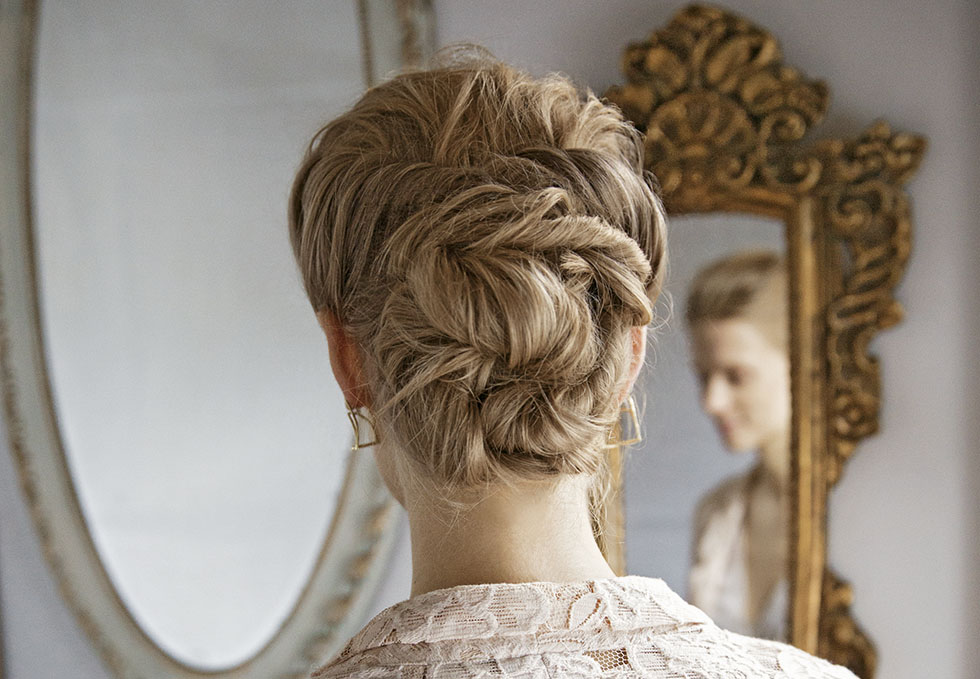 oppsatt hår bryllup