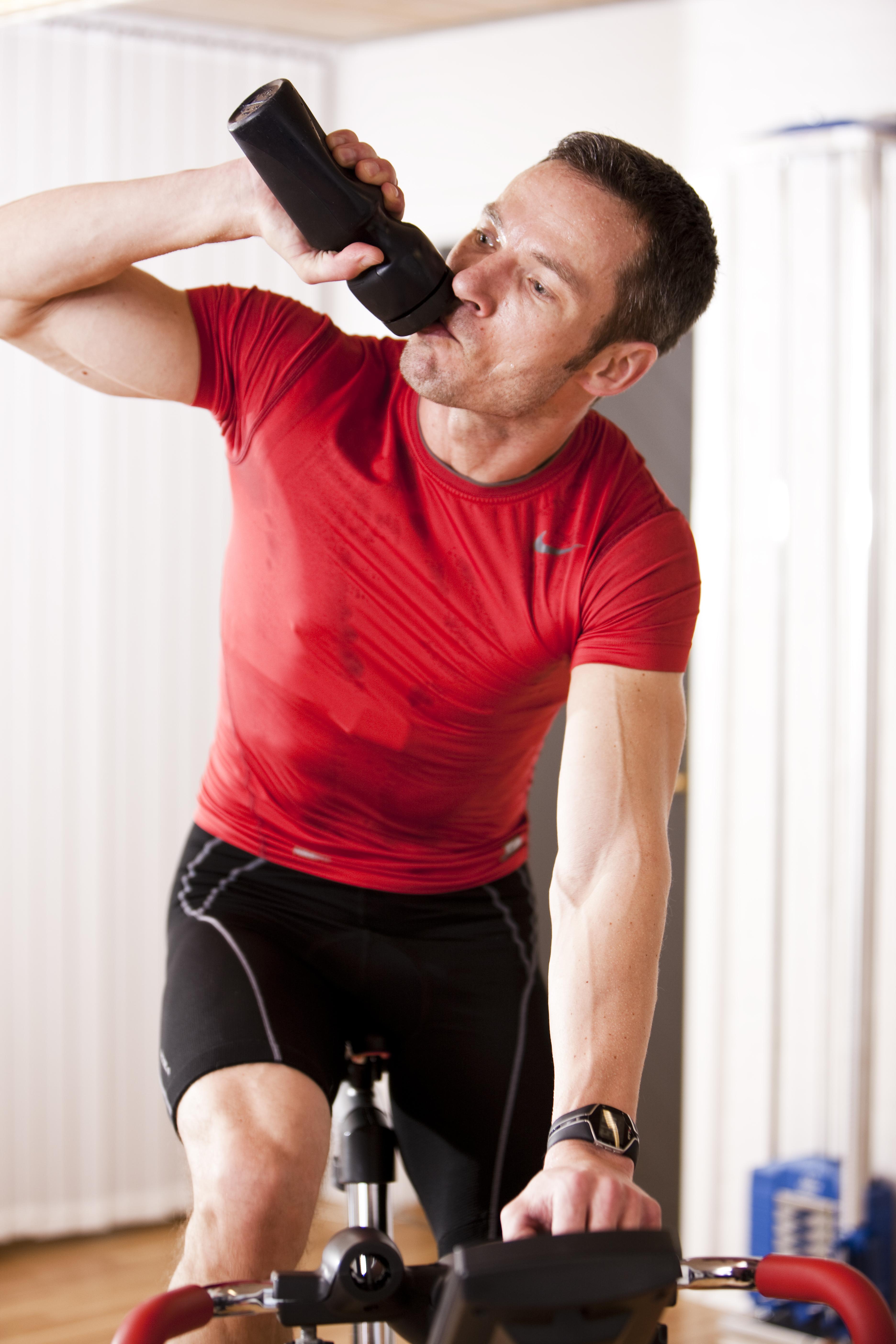 Hjælp, jeg bøvser under træning | Aktiv Træning