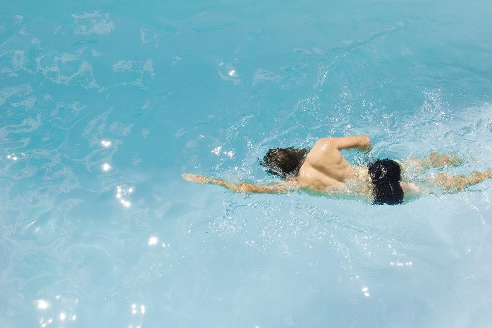 svømming som trening ned i vekt
