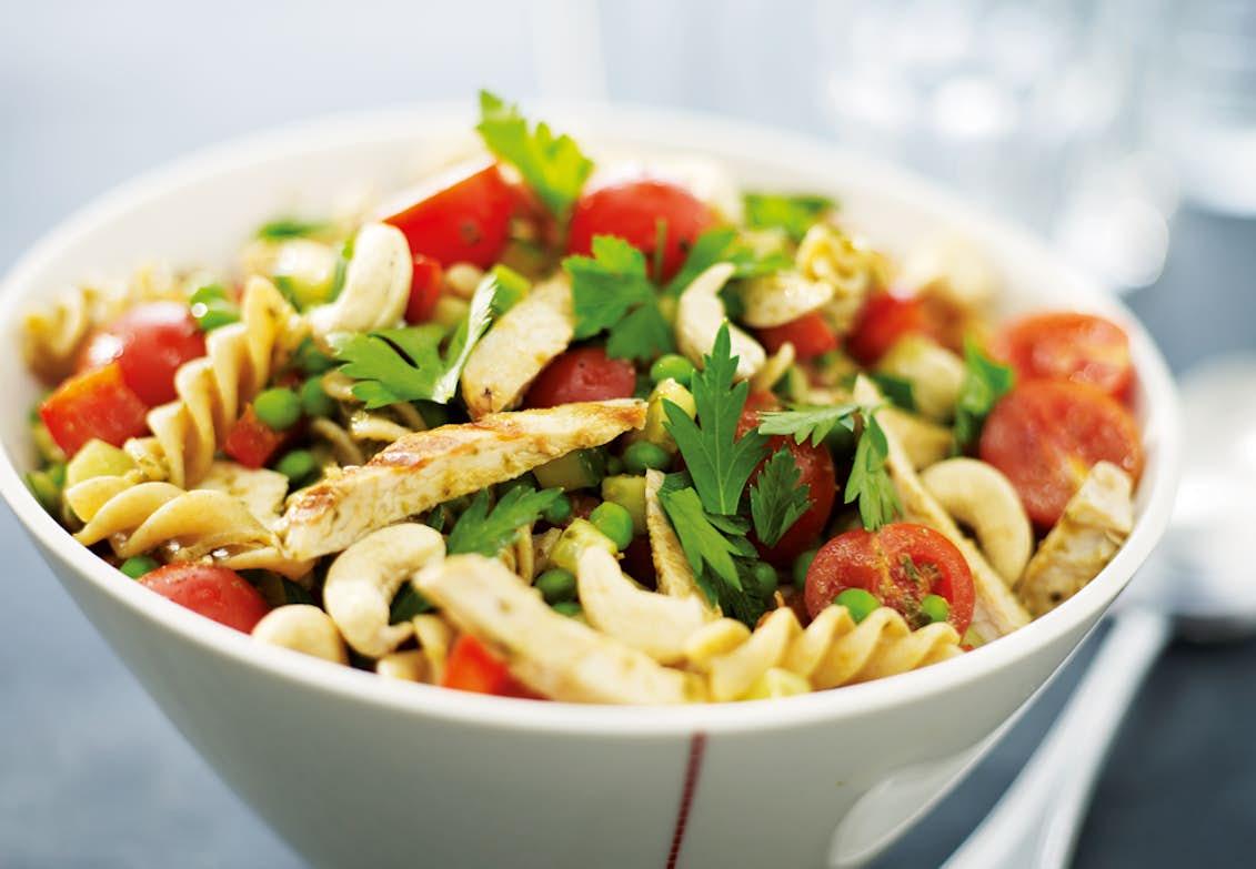 kycklingsallad pasta pesto