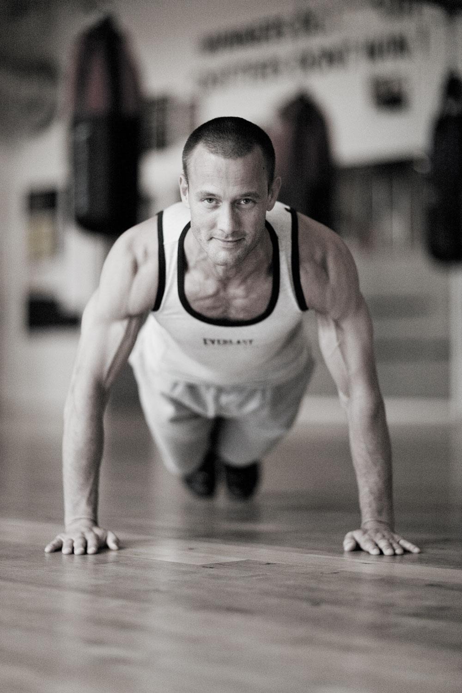 Styrketræning - Øvelser til stærke arme | Aktiv Træning