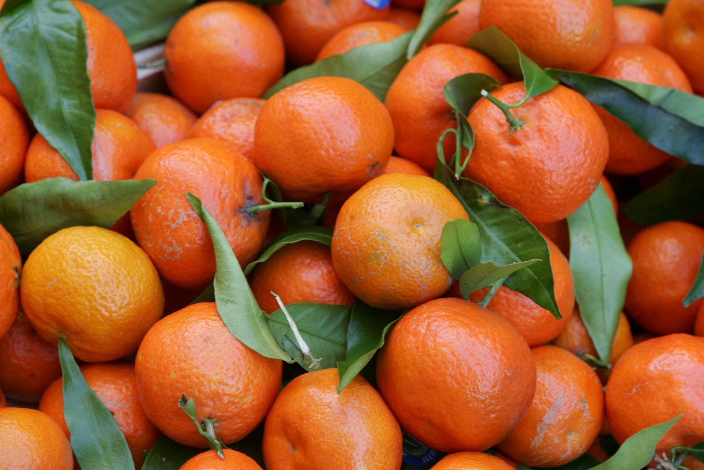 hur mycket c vitamin i en apelsin