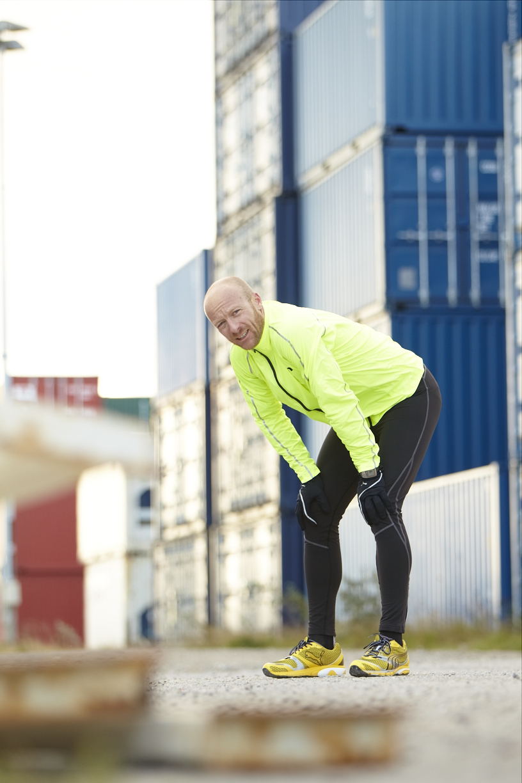 Skal intervalløbere stå eller løbe i pausen?   Aktiv Træning
