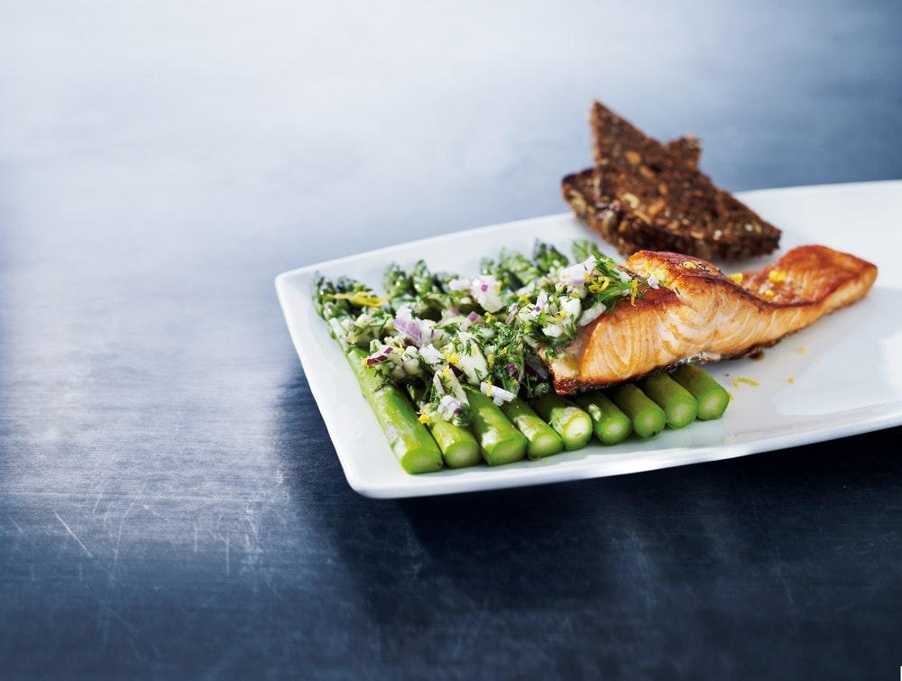 laks med asparges