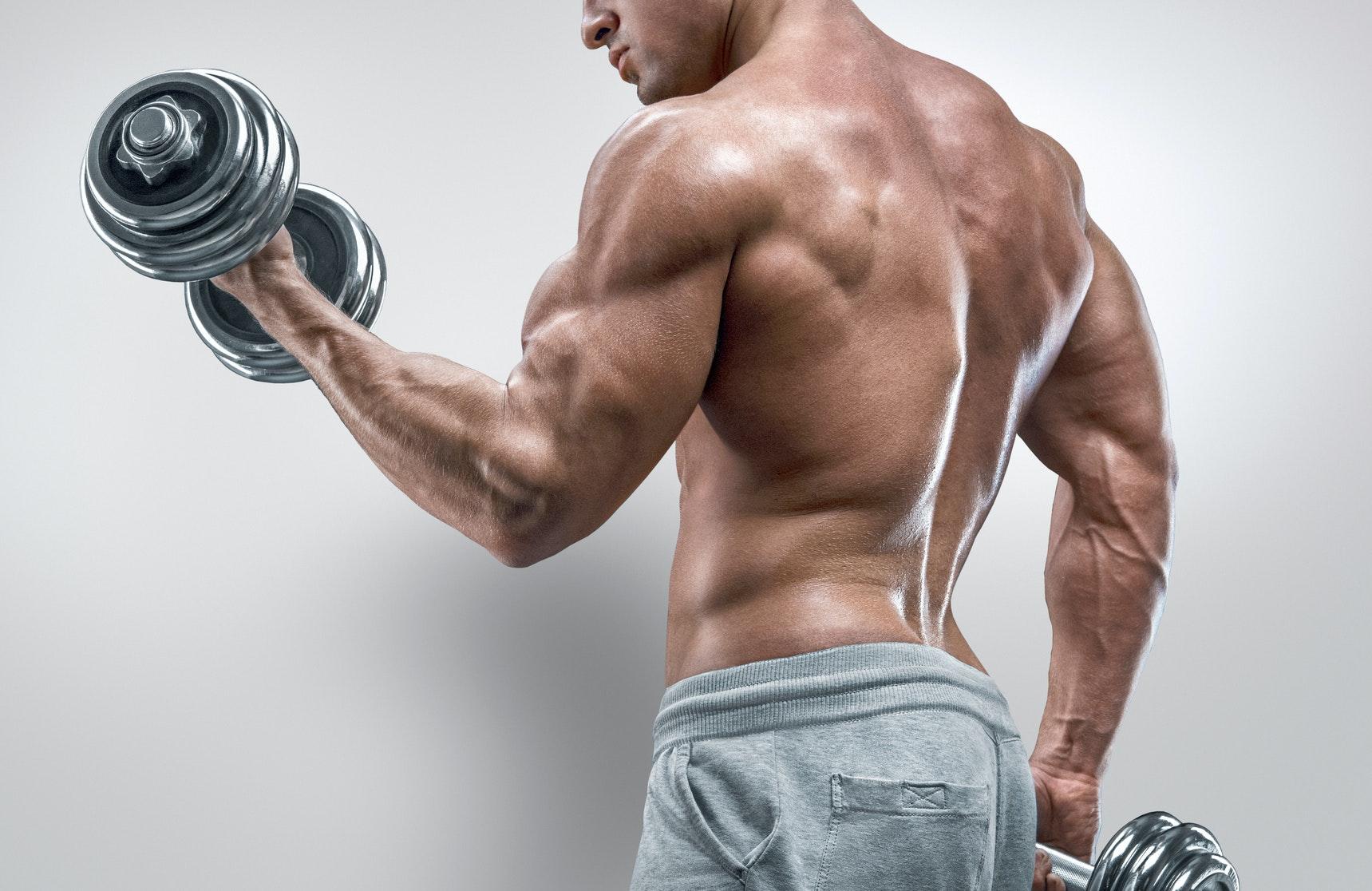 träna samma muskler varje dag