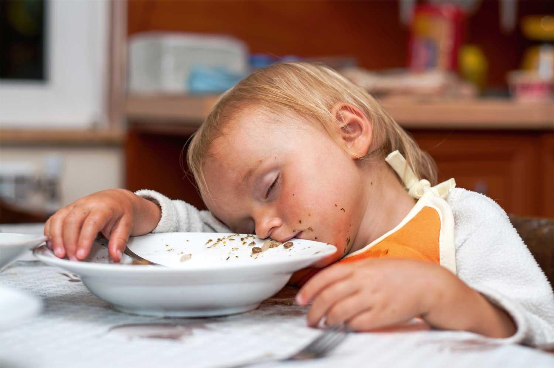 hvorfor bliver jeg træt når jeg har spist