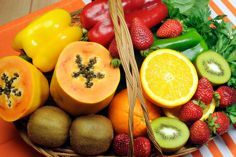 hur mycket c vitamin innehåller en apelsin