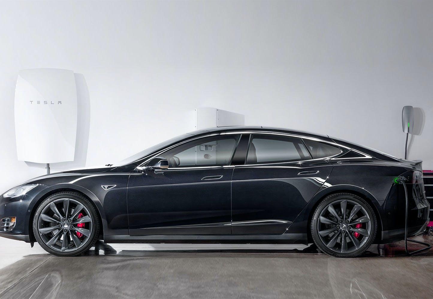 Tesla: Unohda sähköverkko, osta kotiin akku | Tieku.fi