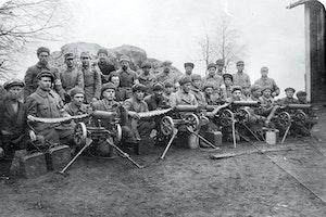 Finska inbordeskriget vita soldater kulsprutor awwldzopnuy3umgmroeb w