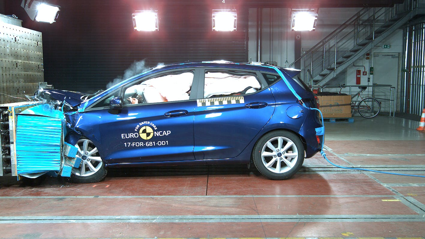 Euro NCAP efter test af 9 nye biler: Hvordan i alverden kan nødbremse være ekstraudstyr ...