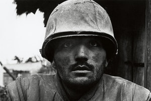 Fotografi granatchok usa marinkar vietnam 1968 abbhdf0pxo4uyg69j1lona