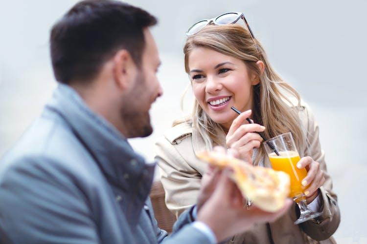 hvad skal du gøre, hvis du er dating nogen, og du kan lide en anden er oase dating gratis