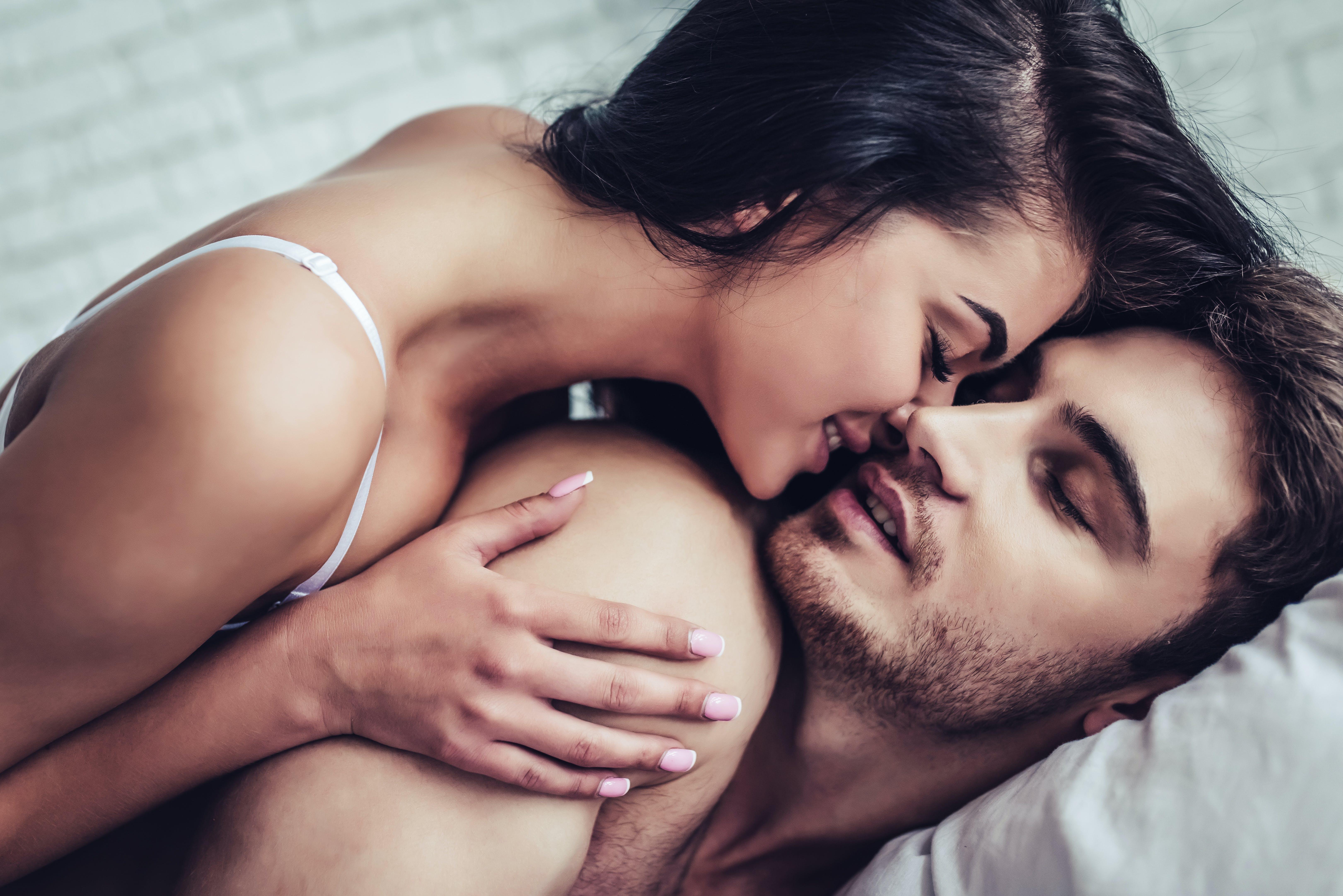Par har sex med barnvakt