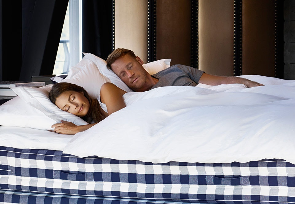 hvorfor må man ikke vække folk der går i søvne
