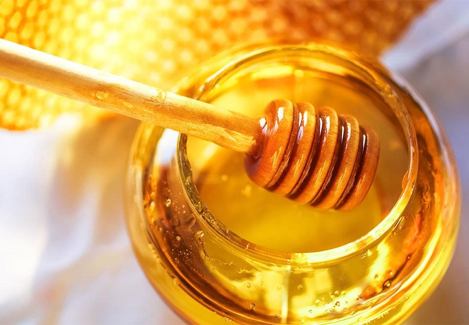 vaske håret med honning