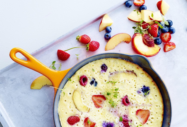 Æggehvideomelet med bær - proteinrig morgenmad | Iform.dk