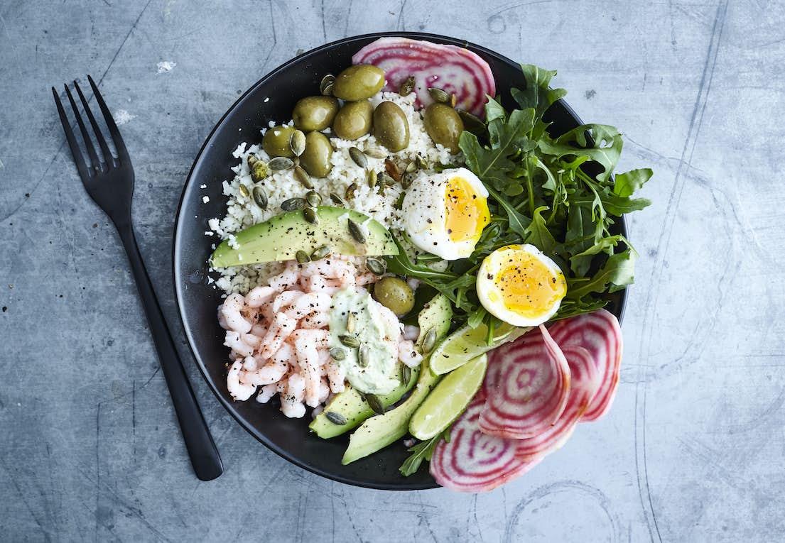 Supersalat Med Rejer æg Og Avocado Iformdk