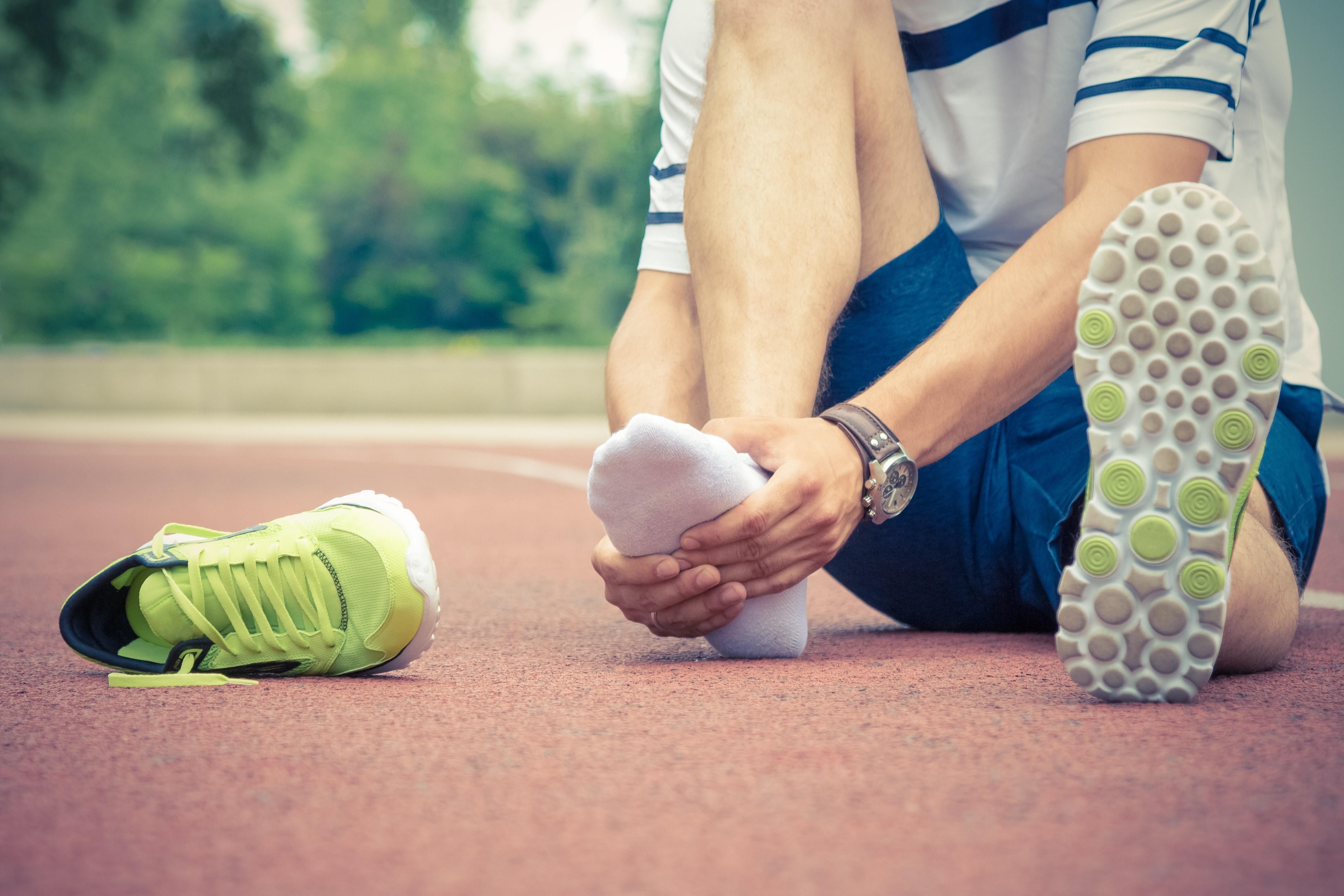 ondt under foden efter løb
