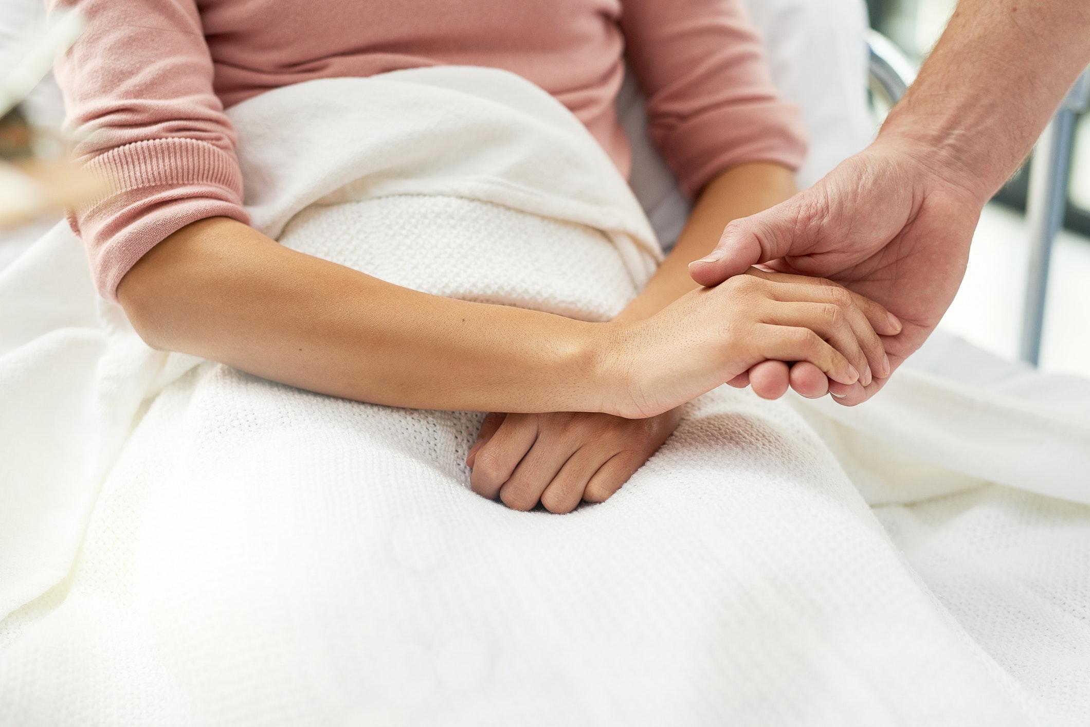 første menstruation efter keglesnit