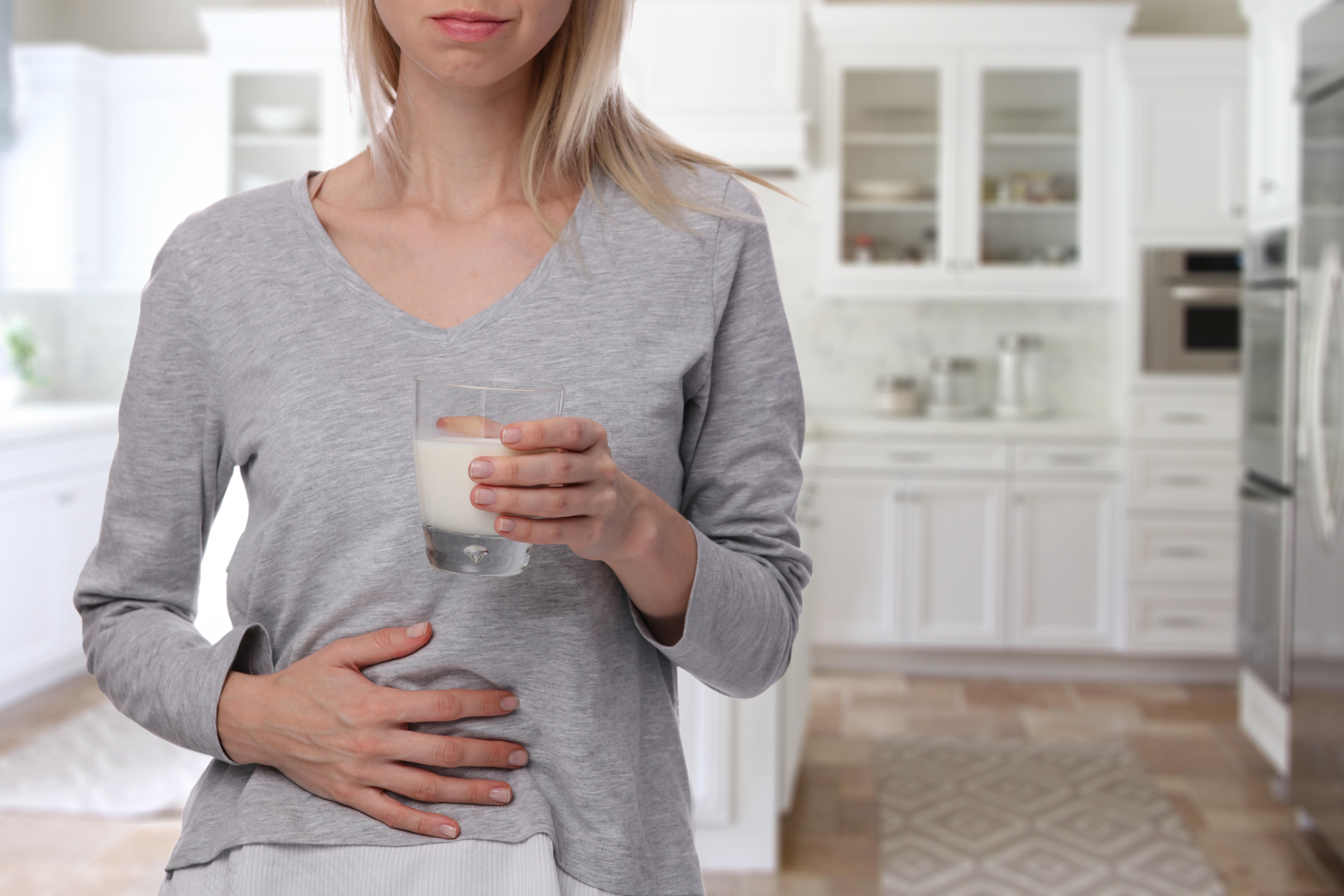 hvordan har manx smerter øverst i magen