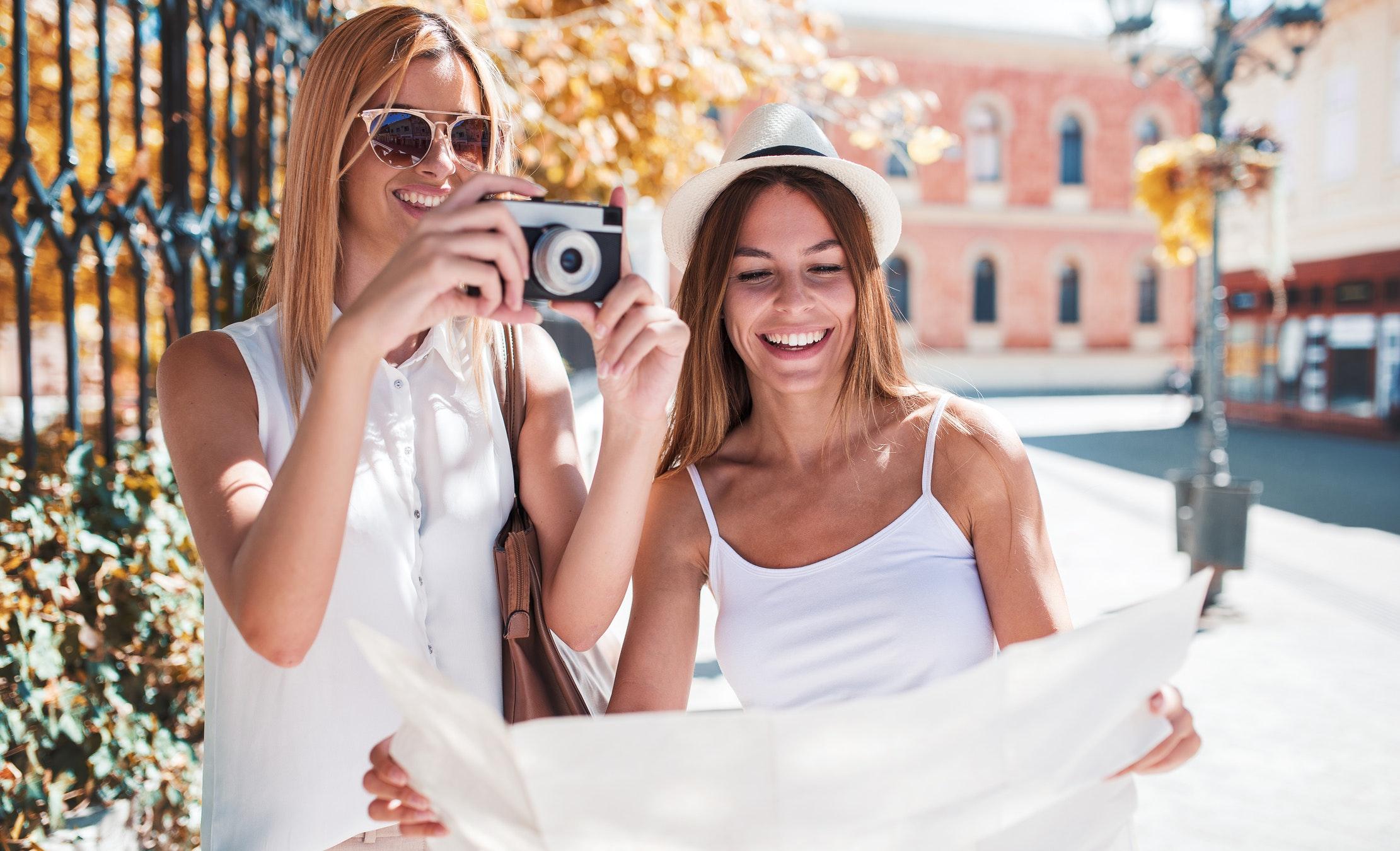 på nett dating app til enlige kvinder yngre 50 i esbjerg
