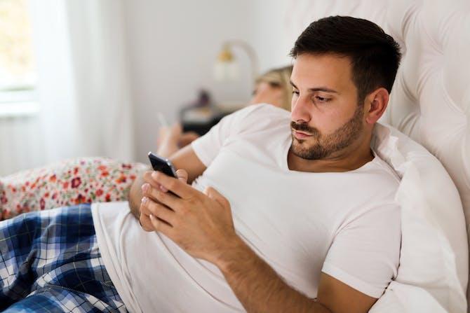 hvordan man skal håndtere din ex dating nogen anden hvad er dating sites virkelig gerne