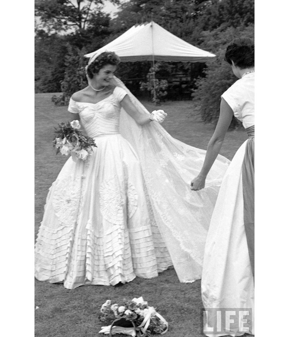 dit liv bryllup ting alle kvinder taenker naar de shopper deres brudekjole