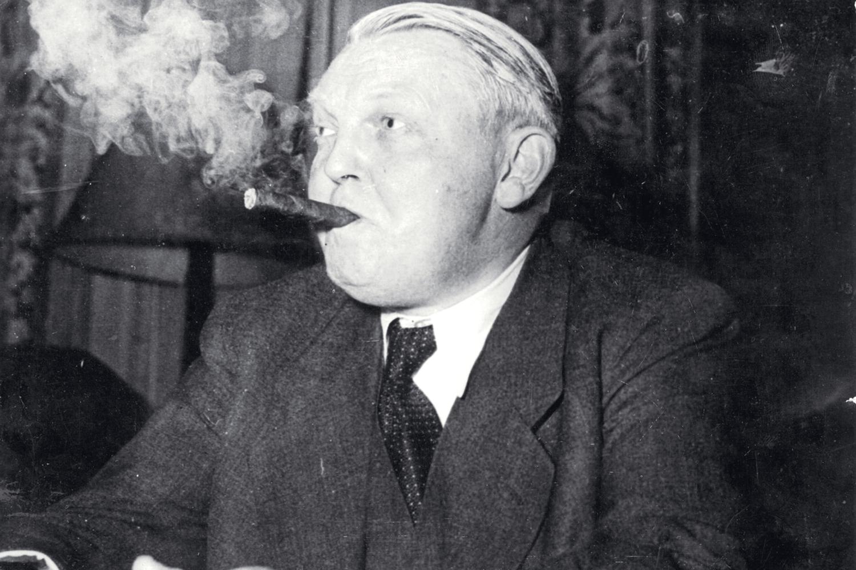 Storrøykende kansler ville kjøpe Øst-Tyskland | Historienet.no