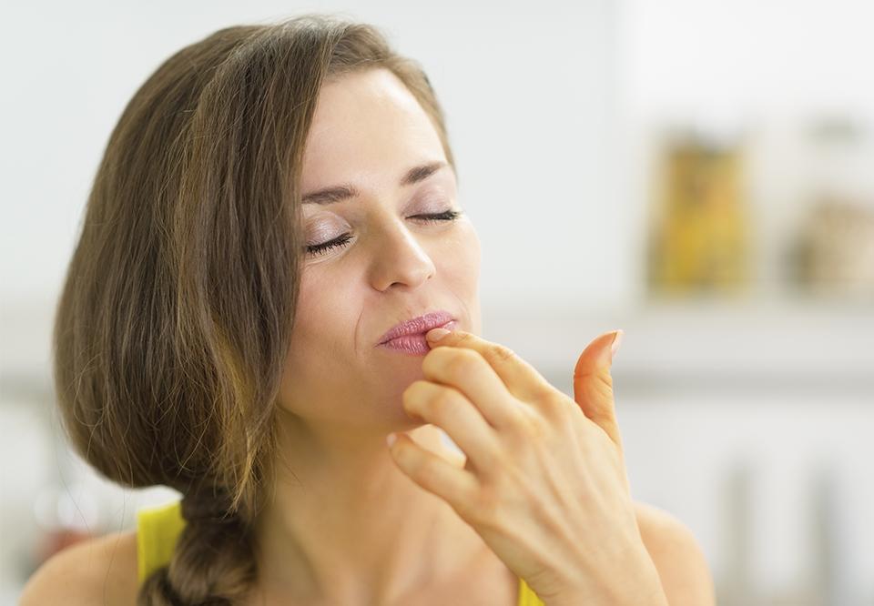 Pille næse | Det er faktisk sundt at pille næse og – hold nu fast – spise bussemændene! | Woman.dk
