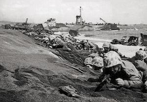 Landstigningen pa iwo jima us marines 1945 bc4l6z1v tnxztv 06kqow