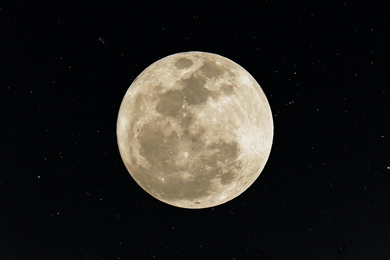 månen lige nu