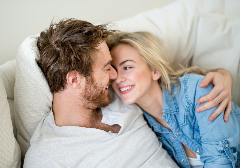 miten saada naisen huomiota dating site