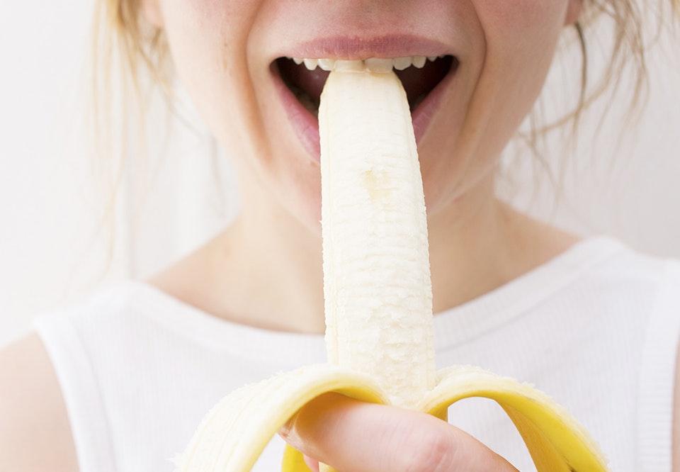 Et hurtigt blowjob med sæd i munden
